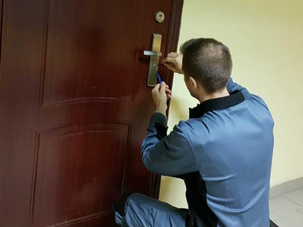 вскрытие дверей в Красногорске